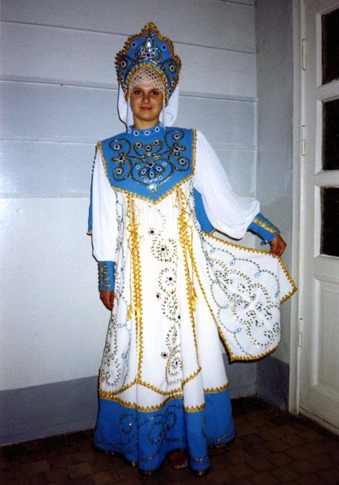 фото стилизованных народных костюмов.
